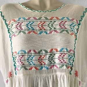 Free People Tops - Free People OVERSIZED Embroidered top